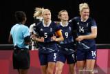 Sepak bola putri Britania Raya kalahkan Chile dua gol tanpa balas