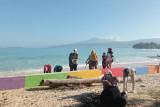 Wakil Bupati Pesisir Barat ajak masyarakat jaga kebersihan pantai