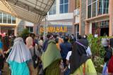 Warga menumpuk di Asrama Haji Tanjungpinang  menanti vaksinasi