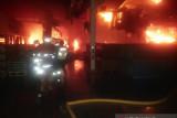 Satu pabrik di Kelapa Gading terbakar