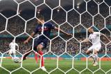 Manchester United di ambang menyelesaikan transfer Raphael Varane
