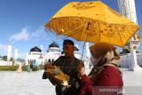 Ritual Adat Turun Tanah Anak Aceh