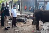 TNI/Polri dan Baanar Banyumas salurkan bantuan bagi warga terdampak COVID-19