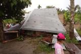 Puluhan rumah di Sumut rusak diterjang angin kencang