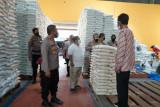 Beras bantuan untuk warga terdampak PPKM di DIY layak dikonsumsi