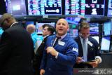 Saham AS merosot setelah  penjualan ritel negara itu lemah