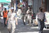 Razia masker di Padang Panjang jaring 180 orang