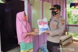 Polri dan TNI di Kolaka patroli skala besar menyalurkan bansos