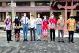 Dua Paskibraka nasional utusan Kalteng berangkat menuju Cibubur