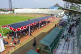 Suasana vaksinasi massal COVID-19 di Stadion Singaperbangsa, Karawang, Jawa Barat, Sabtu (24/7/2021). Vaksinasi massal yang digelar BPBD Jawa Barat dan Pemerintah Kabupaten Karawang tersebut menyiapkan sedikitnya dua ribu dosis per hari dengan total persediaan 56 ribu dosis vaksin COVID-19 untuk masyarakat guna mencegah lonjakan kasus COVID-19. ANTARA FOTO/M Ibnu Chazar/agr