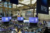 Wall Street naik ditopang laba yang kuat