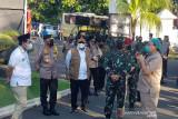 TNI-Polri bantu lacak kontak pasien COVID-19 di perkampungan