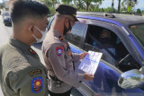 Petugas pos penyekatan tetap intensifkan penjagaan