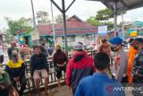 Enam penumpang perahu motor ditemukan selamat di pulau Yapero Mimika