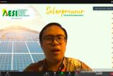 AESI: harga rokok lebih mahal ketimbang  cicilan panel surya