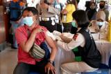 Polri memfasilitasi vaksinasi dosis kedua untuk 33.522 orang di NTB