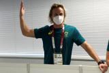 Pelatih renang Australia minta maaf merobek masker