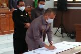 Bupati dan DPRD Gumas tandatangani persetujuan bersama empat raperda