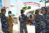 Danlantamal VIII pantau serbuan vaksinasi bagi masyarakat nelayan