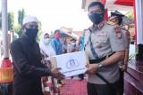 SPN Polda Sulut salurkan paket Sembako bagi warga terdampak pandemi