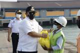 Arinal salurkan bantuan ke pekerja sektor informal terdampak COVID-19