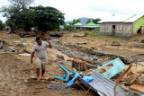 Sejumlah ruas jalan ke lokasi sentra ekonomi Sumba Timur rusak berat