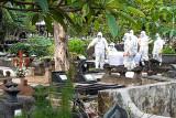 Pemakaman berprosedur COVID-19 di Kota Yogyakarta saat PPKM naik 100 persen
