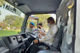 Kementerian PUPR hibahkan armada kebersihan untuk Pemkot Palu