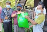 Enam pokdakan di Gumas terima bantuan benih dan pakan ikan