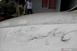 Terjadi hujan pasir di lima desa akibat erupsi Gunung Ili Lewotolok NTT