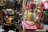 Kerajinan lampu hias dari barang bekas