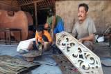 Kerajinan ukir tembaga di Tumang Boyolali sepi permintaan