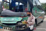 Tabrakan dengan truk, Bus ALS rusak parah