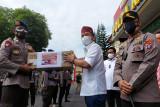 Agustiar Sabran beri bantuan APD kepada Polda Kalteng