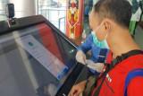 Antisipasi pemalsuan, pemeriksaan dokumen kesehatan di Bandara Tjilik Riwut dilakukan secara digital