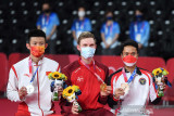 Peraih medali emas Axelsen berikan ucapan untuk Chen Long dan Anthony Ginting
