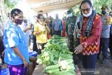 Warga Desa Mata Air gotong royong bantu pasien corona