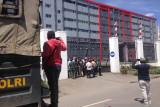 Pengusaha OAP palang kantor bupati Jayawijaya tuntut pembagian proyek