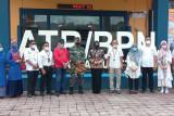 Kegiatan-kegiatan ini dilakukan anggota DPR RI, Rezka Oktoberia saat jalani reses di Bukittinggi