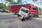 Supir ambulance yang bertabrakan dengan truk meninggal di RSAM