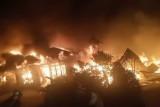 Sembilan rumah hangus terbakar