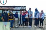 Kantor Pos Bandarlampung salurkan bantuan bagi masyarakat Pulau Legundi