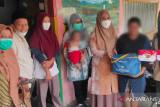 TP PKK Pesisir Selatan serahkan bantuan ke keluarga PMKS di dua kecamatan