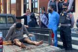 Satu dari tujuh perampok petugas ambulans COVID-19 dilumpuhkan polisi