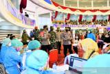 Panglima TNI-Kapolri tinjau vaksinasi di Dome Balikpapan