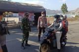 TNI Polri mulai lakukan penyekatan di posko Pelabuhan Poto Tano