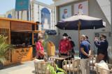 Suasana di Villa Sumatra, kedai kopi unggulan Indonesia yang baru dibuka di Mesir