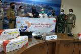 Bantu Pemerintah Kepulauan Seribu tangani COVID-19, PHE OSES salurkan 1000 alat rapid antigen