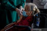Para lansia dengan komorbid boleh disuntik vaksin COVID-19
