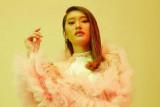 Amanda Caesa berambisi untuk punya album solo & buat lagu berbahasa Indonesia